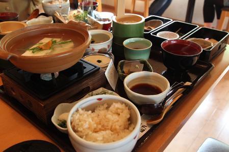 嵯峨とうふ稲 料理