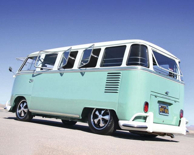VW_BUS_APR696.jpg
