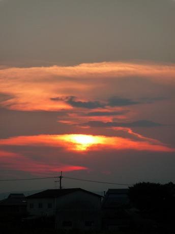 夕陽と月3