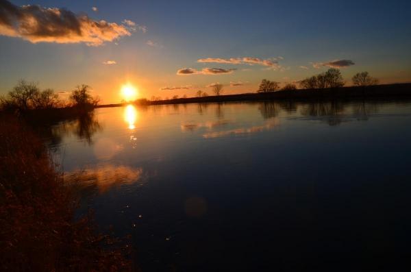 釧路湿原  釧路川に沈む夕日