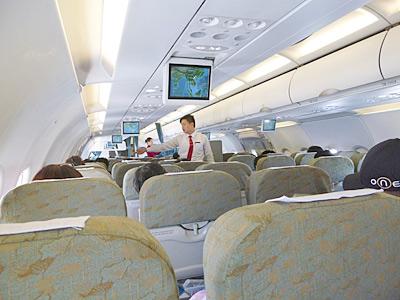関西空港からハノイ行きの機内の様子