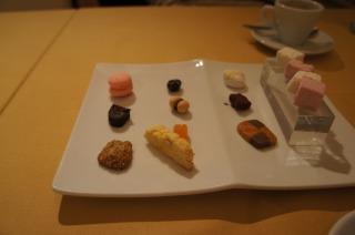 小菓子とエスプレッソ