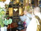 開帳祈祷する聖僧7