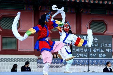 韓国 仮面の踊り