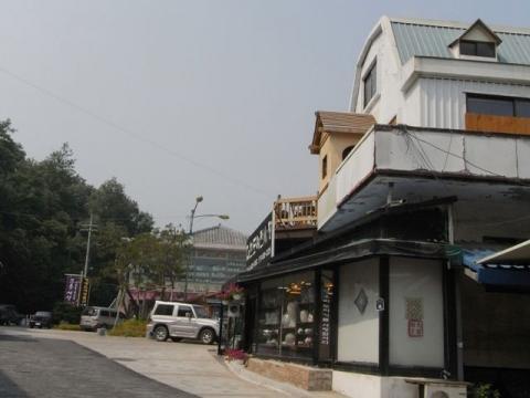 サギマッコル陶芸村