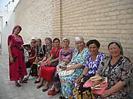ウズベキスタンの民族衣装