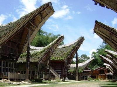 伝統家屋/タナ・トラジャ(スラウェシ島)にて