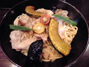 綿麺 フライデーナイト Part29 (12/7/27) 夏野菜と豚バラ肉のネギ塩まぜそば