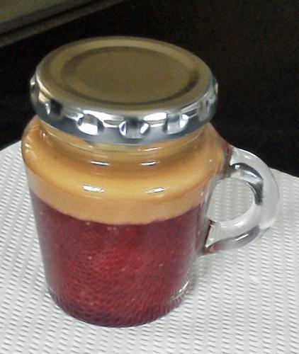 紅茶イチゴジャム