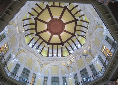 南口ドーム天井