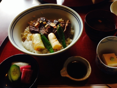 伊豆亭 ステーキ丼