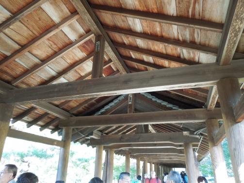 通天橋の天井