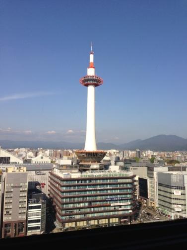 スカイウォークからの京都タワー