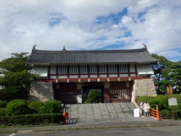fushimimomoyama10.jpg