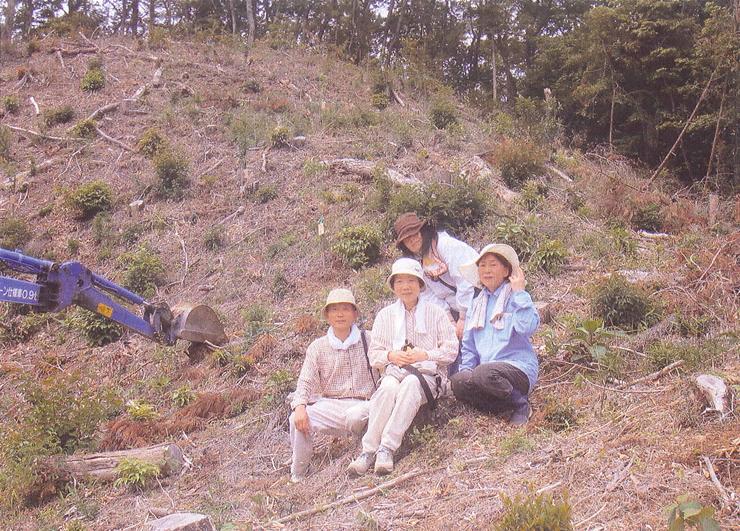 植樹の様子20110605-02