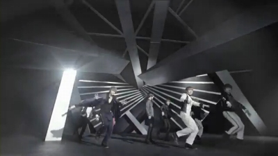 Super Junior_A-CHA_Music Video.mp4_000166541s