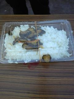共同炊事での「われ米」