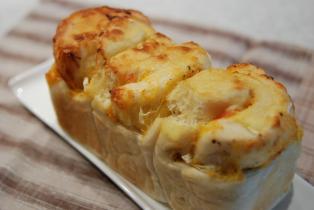 ベーコンチーズオニオンマヨブレッド