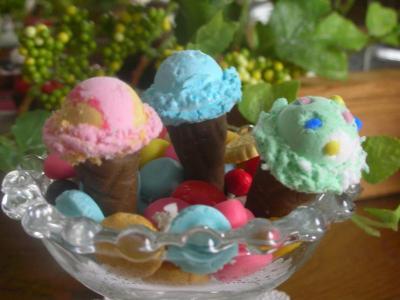アイスクリームラムネポップンストロベリー立ち