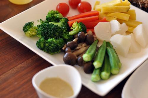 蒸し野菜のバーニャカウダソース&コーンディップソース