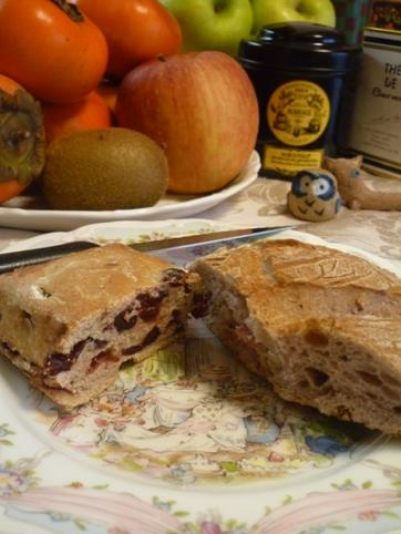 ボジョレーパンとクランベリーパン
