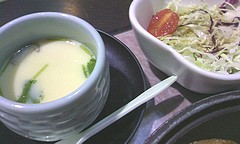 サラダと茶碗蒸し