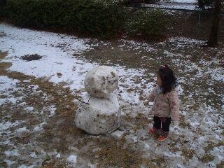 雪だるまにカラむ!