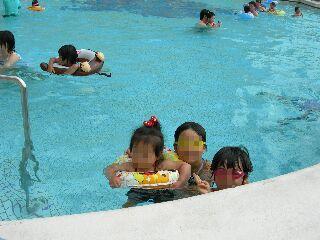 泳ぐ三姉妹