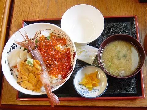 畠兼海鮮丼