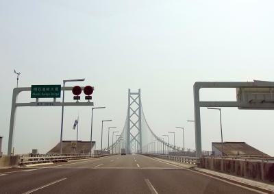 120517明石大橋を渡る