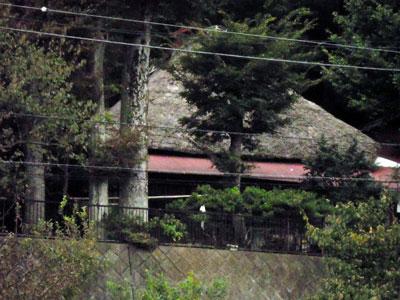 かやぶき屋根の家