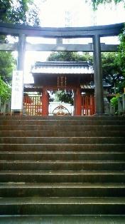 神門と階段