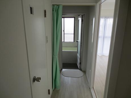 小物更衣室カーテン取付