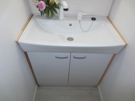 洗面化粧台4F木枠設置