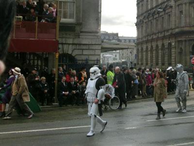 procession04.jpg