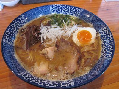 亀陣 鶏白湯醤油