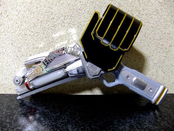 魔法剣銃 DX ウィザーソードガン