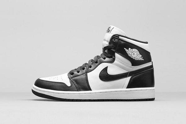 air-jordan-1-retro-hi-og-black-white-2-960x640.jpg