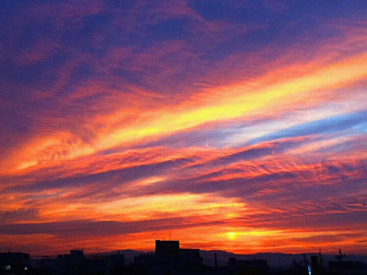 京都の朝の空