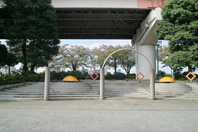 公園のアーチ