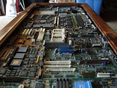100726circuit_board_table2_20100809143404.jpg