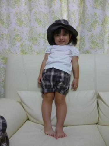 手作り子供帽子と半ずぼん