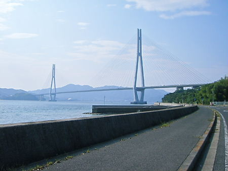 生口島から多々羅大橋を見る