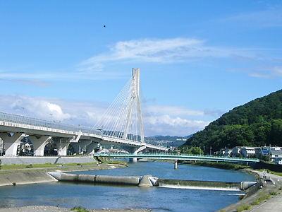 五月山前の阪神高速