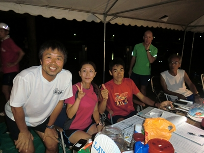 (左から) F田さん、私、S鹿会長、あいち健康の森走遊会の皆さん