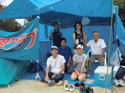 菊里クラブの皆さんと (左から N江さん、N羽さん、O沢さん、K野さん、私、O本さん)