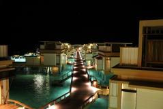 屋上から眺める夜の景色