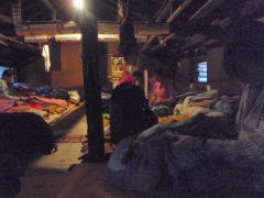 甲武信小屋の寝床