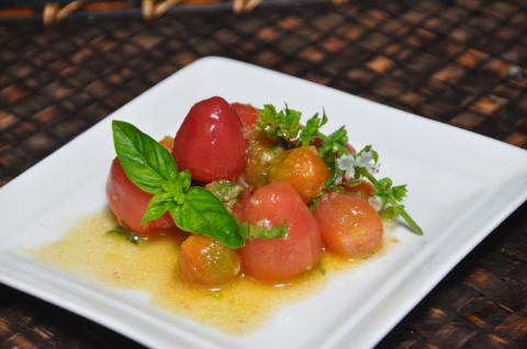 ミニトマトとバジルのマリネ