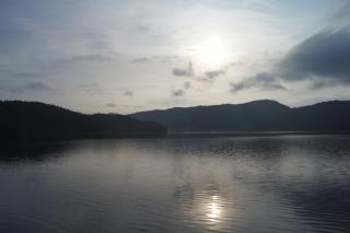 青木湖朝陽